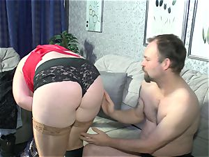 Deutschland Report - Mature plus-size Iris K. in German porn