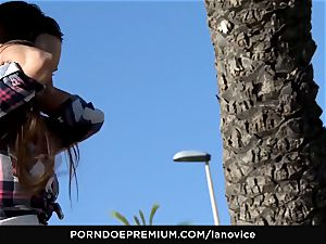 LA newbie - Mea Melone strong point of view plumb outdoors