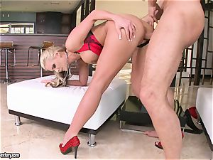 huge-titted Phoenix Marie likes getting her beaver banged