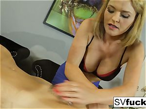Sarah Vandella girl-on-girl rubdown