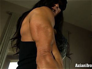Muscle roped milf uses her glass dildo till she finishes off