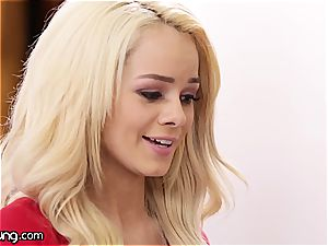 Elsa Jean and Jill Kassidy play some scorching oral games