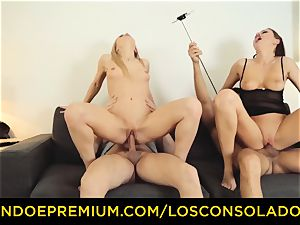 LOS CONSOLADORES - Hungarian light-haired gets torn up point of view