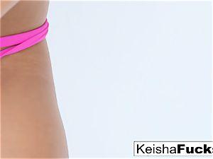 steamy adult movie star Keisha gets her wet vag screwed