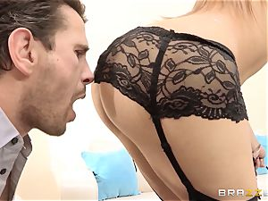 Dani Daniels finishes a super-fucking-hot tear up with a exclusive splattering
