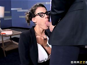 Peta Jensen gives her customer some serious fuck-fest therapy