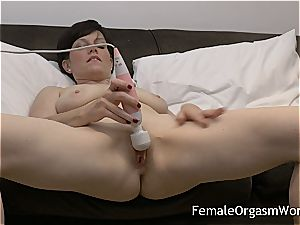 horny mummy draining saucy vag to climax