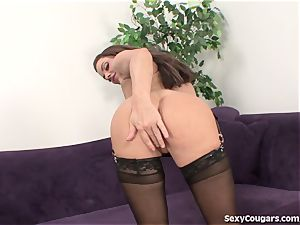 mummy stunner engulfs A large meatpipe