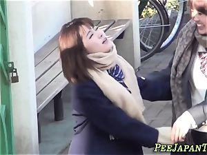 asian schoolgirls urinate