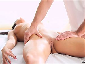 Rahyndees oily massage table tearing up