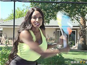 Nikki Benz and Diamond Jackson 3some