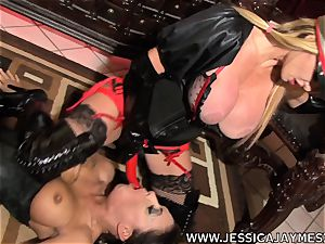 cockslut Jessica Jaymes and Taylor Wane the mistress