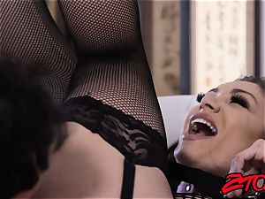 luscious Lea Lexis fed jizz after fishnets cowgirl