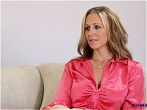MomsTeachSex duo nails steamy older mother