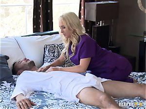 motel massagist Alix Lynx sates her next client