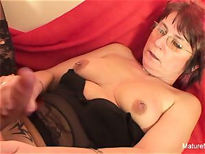 Punky pierced grandmother loves to deepthroat and shag