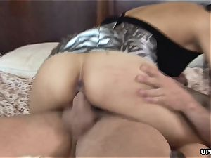 passionate Nyomi pulverized in the way where she blows a load powerfully