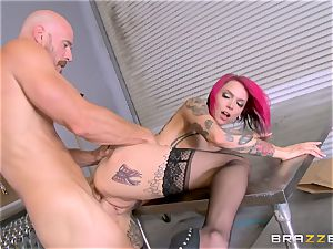 hot boss Anna Bell Peaks rails her workers sausage