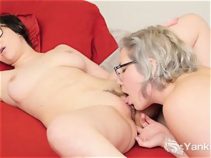 lezzies Clementine And Vi fingerblasting Her fuckboxes