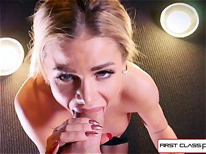 watch Jessa Rhodes taking a fat beef whistle down her gullet