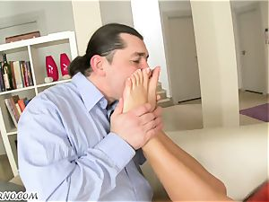A married fellow plumbs his mistress in the backside