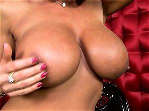 marvelous Lisa Ann unsheathes her fat succulent bra-stuffers