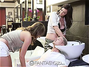 scorching honeys Lily and Holly have threeway