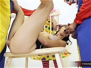 Dana Vespoli boinked by creepy ample trunk clowns